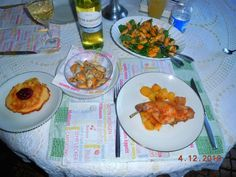 """Schenkel vom Zuchthasen """" au four"""" Salat mit gedünsteten, frischen Miesmuscheln Ananas im Teigmantel mit Preiselbeeren"""