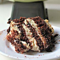 Hawaiian Chantilly Layer Cheesecake Cake for #cheesecakeday - Wallflour Girl Whipped Chocolate Frosting, Chocolate Chiffon Cake, Chocolate Desserts, Raw Desserts, Delicious Desserts, Layer Cheesecake, Peanut Butter Cheesecake, Cheesecake Recipes, Classic Cake