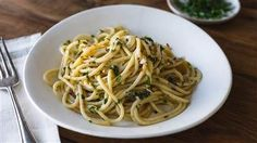 This pasta with only garlic and oil proves that simple is best