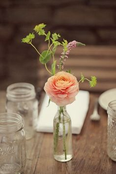 Easy To Make Cheap Wedding Centerpieces For Every Season Flower Centerpieces, Table Centerpieces, Flower Vases, Wedding Centerpieces, Wedding Table, Wedding Bouquets, Wedding Decorations, Simple Table Decorations, Flower Bottle