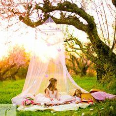 DIY Backyard Tent for Little Girls - #diy