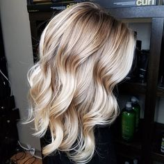 The 74 Hottest Blonde Hair Looks to Copy This Summer Feathered Hairstyles, Pretty Hairstyles, Hairstyles Men, Everyday Hairstyles, Weave Hairstyles, Wedding Hairstyles, Good Hair Day, Great Hair, Wavy Hair