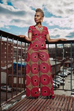 Selecting Ankara styles for older women requires attention to comfort, movement and easy care. The key to selecting the right fashions is to understand the African Print Dresses, African Print Fashion, Africa Fashion, African Fashion Dresses, African Dress, African Fabric, Fifties Fashion, 50 Fashion, Fashion Prints