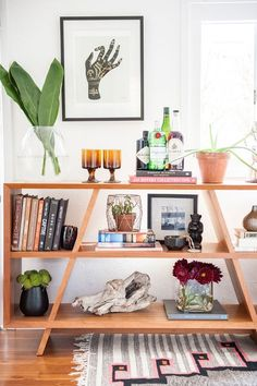 Use plants with big leaves and ethnic items for your natural decor   Girlfriend is Better