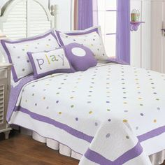 Textiles Plus Inc. Polka Dot Quilt Set with 2 Cushions