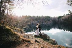 After Wedding: Mit den Blicken zum See @ Saskia Bauermeister http://www.hochzeitswahn.de/inspirationen/after-wedding-mit-den-blicken-zum-see/ #love #couple #shooting