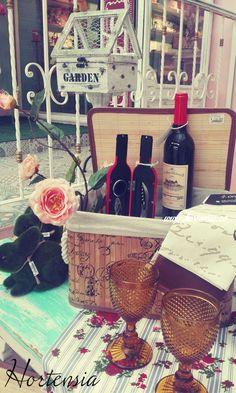 #Picnic #Vino #Romance # #Flores #OutDoor #Jardín