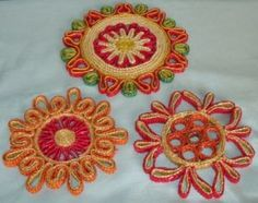 vintage straw trivets for the table. J Craft, Hot Pads, Vintage Kitchen, Retro, Holiday, Table, Ebay, Vacations, Holidays