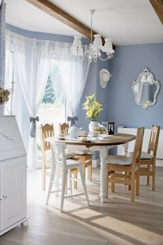 Home- Kitchen & Eating Areas by katheryn Home Decor Colors, White Home Decor, Estilo Cottage, Kitchen Eating Areas, Home Decor Sites, Family Dining Rooms, Small Home Offices, Inviting Home, Country Style Homes