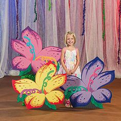 Create a crazy, one-of-a-kind set with our Wacky Wilderness Funky Flower Standees. This set of three free-standing hibiscus flower props are made of cardboard. Tall Flowers, Paper Flowers, Lilies Flowers, Flowers Garden, Exotic Flowers, Purple Flowers, School Decorations, Flower Decorations, Stage Props