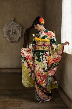 Kimono /Nana Komatsu (小松 菜奈) ❛⏑❛ next to nothing Japanese Outfits, Japanese Fashion, Asian Fashion, Silk Kimono, Kimono Dress, Kimono Top, Kimono Japan, Japanese Kimono, Traditional Fashion