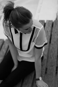 Black and white Nalou blouse by @ollymagazine | Anne Fontaine