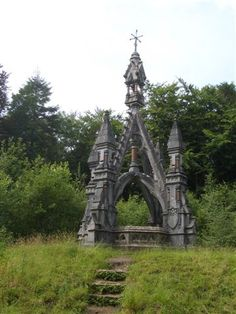 The folly, County Mayo, Ireland. Abandoned Mansions, Abandoned Buildings, Abandoned Places, Oh The Places You'll Go, Places To Visit, Ireland Travel, Kirchen, Dream Vacations, Dublin