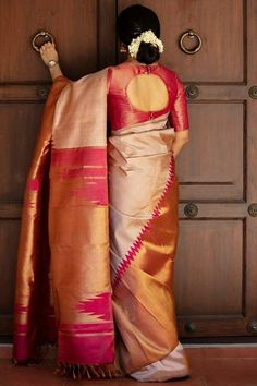 New Saree Blouse Designs, Simple Blouse Designs, Stylish Blouse Design, Bridal Blouse Designs, Blouse Back Neck Designs, Latest Blouse Designs, Traditional Blouse Designs, Traditional Silk Saree, Dress Designs