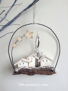 Decorate the Christmas tree interestingly! 50 ideas for Christmas tree decorations – christmas decorations Wire Crafts, Christmas Projects, Holiday Crafts, Diy And Crafts, Noel Christmas, Rustic Christmas, Christmas Wreaths, Christmas Ornaments, Navidad Diy