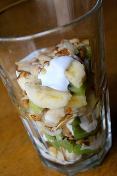 Paleo parfait 1/4 cup sliced almonds (sliced almonds provide a wonderful texture along with the coconut flakes but you could use any nut) 1/4 cup coconut flakes 1/2 cup of fruit (my favorite is banana and kiwi) 1/4 cup coconut milk