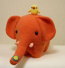 Amigurumi elephant and birdie -- too bloody cute