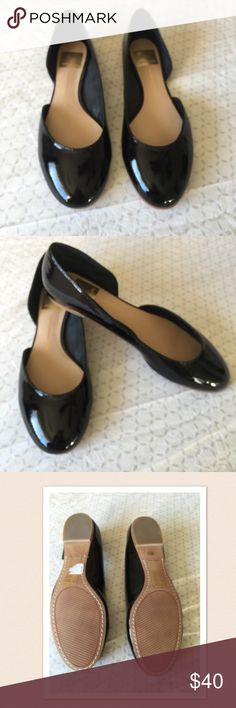 Cute dolce vita flats Never worn dolce vita flats black cut out side in excellent condition size 6 1/2 Dolce Vita Shoes Flats & Loafers