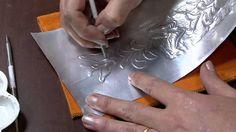 Mulher.com 09/03/2015 Aplique em latonagem para caderno por Elzeli França