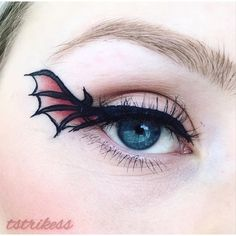 """Wing"" liner ☠️ Inspired by @grotesquemakeup ❤️ ---------------------------------------- #undiscovered_muas #gigirlarmy #featuremuas #beautyblogger #makeuplover #halloweenmakeup #wingliner #graphicliner #batwingliner #anastasiabeverlyhills #modernrenaissance #beautyblogger #makeupaddict #makeuplover #mua #makeupartist #motd #liquidliner #dragonwing #morphe #sephora #sephoragirls #halloweenmakeupideas #halloween #dominiqueldr #ssssamanthaa #dehsonae #grotesquemakeup #abh #vegasnay #follo..."