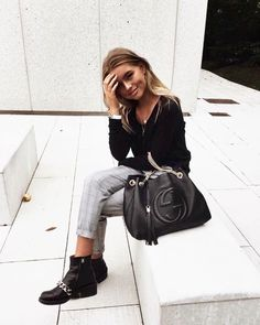 Cute gray pants with all black.