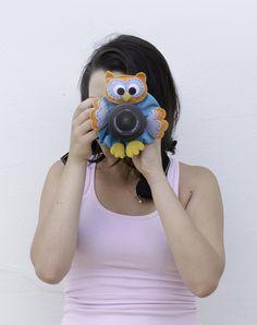 Enfeite em feltro para câmera fotográfica DSLR. Ótimo para fotos de bebês e…