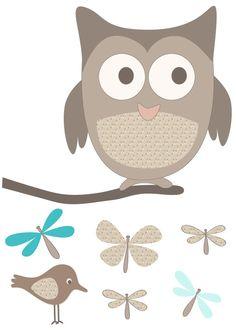 """Pour compléter la décoration """"animaux de la forêt"""" de votre bébé fille ou garçon, voici un joli sticker avec un hibou, un oiseau et des papillons."""