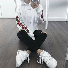 #tumblrgirl#fashion#style#tumblr#grungegirl#grunge#tumblrfashion#roses#white#black#nike#girlpower#girl#softgrunge#blackandwhite#blackjeans#whiteshoes#... - fashion✨ (@magic.alien)