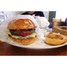 今日はBBQバーガーこの炎天下でもバーガー食べにくるお客さんいっぱいいるんだなー 笑 #meallog #food #foodporn #burger #burger_jp #ハンバーガー #