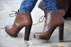 Love this Zara boots Zara Ankle Boots, Bootie Boots, Shoe Boots, Shoes Heels, Pumps, Buy Shoes, Ankle Booties, Heeled Boots, Brown Booties