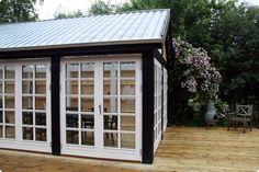 Billedresultat for slagt en hellig ko orangeri House With Porch, Outdoor Living, Outdoor Decor, Garage Doors, Farmhouse, Outdoor Structures, Windows, Studio, Sheds