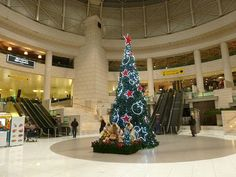 Dec 14, 2012. It's the most wonderful time of the year! The Christmas spirit has taken over even the Airport in Lisbon.