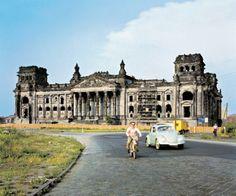 """Josef Heinrich Darchinger / Taschen Verlag: """"Hauptstadt Berlin"""", Reichstag 1958"""