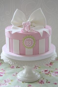 Box with a Bow Cake