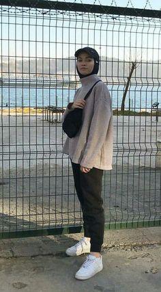 Hijab Styles 854206254313751066 - 69 Trendy Fashion Hijab Sporty Street Styles 69 Trendy Fashion Hijab Sporty Street Styles Source by Modern Hijab Fashion, Street Hijab Fashion, Hijab Fashion Inspiration, Muslim Fashion, Modest Fashion, Trendy Fashion, Fashion Outfits, Affordable Fashion, Men Fashion