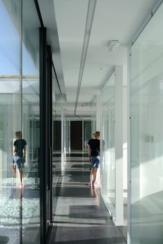 Gallery of Aseptic Office and Lab / AUM architecture - 7
