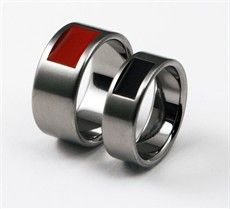 Just bought one of these in red - http://www.titanium-buzz.com/fullboxer.html