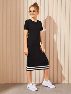 To find out about the Girls Contrast Striped Hem Tee Dress at SHEIN, part of our latest Girls Dresses ready to shop online today! Teenage Girl Outfits, Girls Fashion Clothes, Dresses Kids Girl, Kids Outfits Girls, Cute Girl Outfits, Tween Fashion, Sporty Outfits, Teen Fashion Outfits, Cute Casual Outfits
