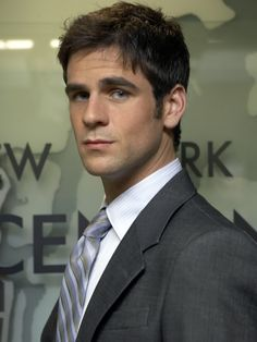 Eddie Cahill, one of the many reasons why I watch CSI NY hahah