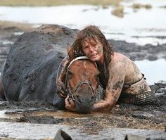 Nicole Graham held her horse's head above the mud for three hours until rescued