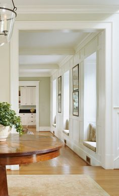 Low hallway window seats | Anne Decker Architects