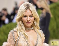 Sienna Miller, Pearl Necklace, Gucci, Pearls, Celebrities, Jewelry, Fashion, Create, Culture
