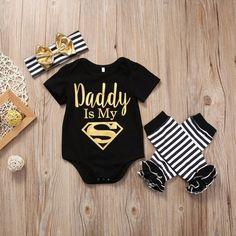 """Daddy Is My Superman"" Babyspielanzug-Set - Baby Kleidung Baby Outfits Newborn, Baby Girl Newborn, Cute Baby Girl Outfits, Newborn Fashion, Super Hero Outfits, Baby Girl Romper, Baby Bodysuit, Bodysuit Dress, Romper Pants"