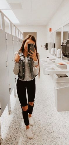 39 Popular Fall Outfit Ideas to Copy Asap . - 39 Popular Fall Outfit Ideas to Copy Asap Cute Comfy Outfits, Cute Outfits For School, Cute Casual Outfits, Outfits For Teens, Popular Outfits, Lazy Outfits, White Girl Outfits, Cute Everyday Outfits, Pink Outfits