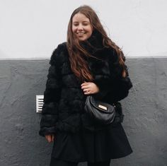 #instagram #instagirl #fashion #influencer #outfit #white #whitefeed #feed #theme #inspiration #jewellery #jewelry #hvisk #hviskstylist #hviskjewellery #photos #photografy #pictures #inspo #Johanneappel #girly #fur #fauxfur #marcjacobs #nelly #nellyholic