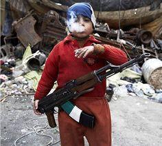 Rebelde da Síria de 7 anos de idade