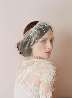 Hazy Sheer Tulle Bride Covered Face See Thourh Veil With Charming Pearls Bridal Accessory