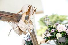 Sapato de Noiva Vintage Do post:  Casamento ao ar livre de Karine e Matheus|   Blog Clube Noivas