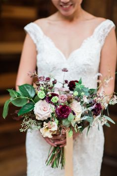 Gorgeous florals! The perfect finishing touch for a Brooklyn Winery wedding.