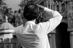 Schwarz-Weiss-Aufnahme eines fotografierenden Mannes auf La Reunion Chef Jackets